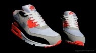 Size Up: Nike Air Max 90 Infrared 2010 vs 2008