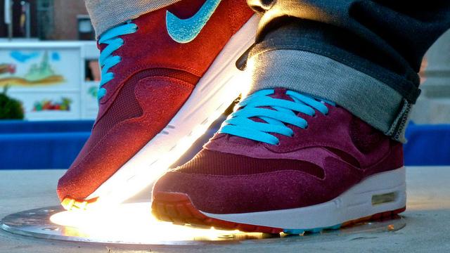 """e37e1edcdd7 OnMyFeet: Nike x Parra x Patta Air Max 1 """"Cherrywood Red"""" Tier Zero – 2010"""