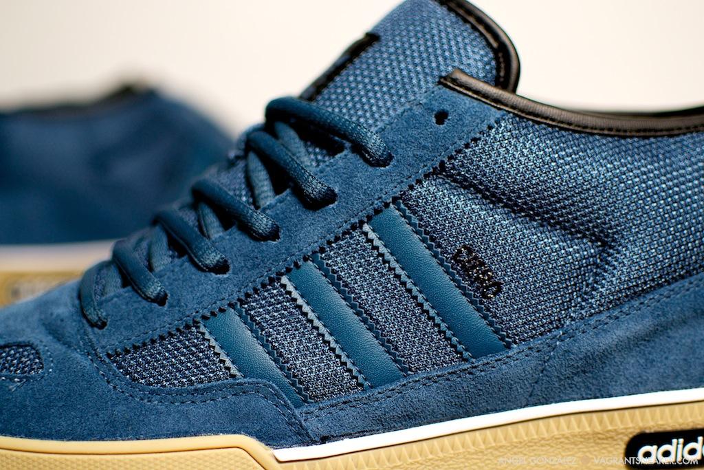 on sale 35efc 56d0f adidas ciero mid