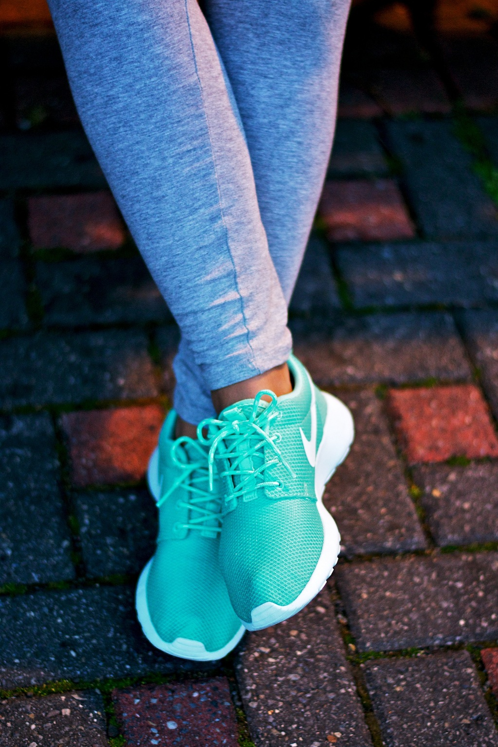 3b3fccb22a012 ... Blue Mint Green Tropical Twist Floral logo For Nike Womens Roshe Run  All Photography .