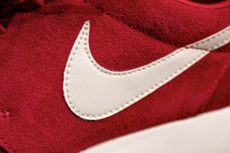 Nike Roshe Run Swatches gym red 4