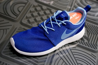 Nike Roshe Run Swatches hyper blue