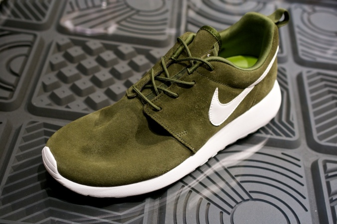 Nike Roshe Run Swatches suede green