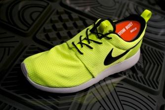 Nike Roshe Run Swatches volt