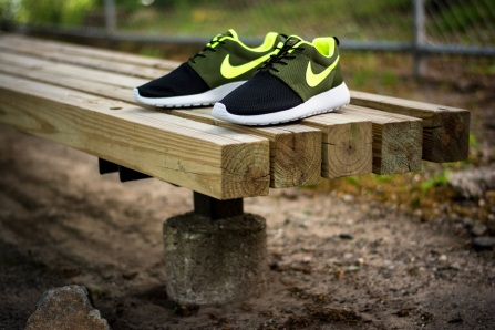 roshe run id urban volt 1