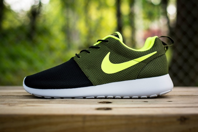 roshe run id urban volt 2