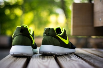 roshe run id urban volt 7