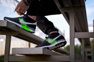 "F.O.T.B.: Nike Air Pegasus 83/30 ""Black and Flash Lime"""