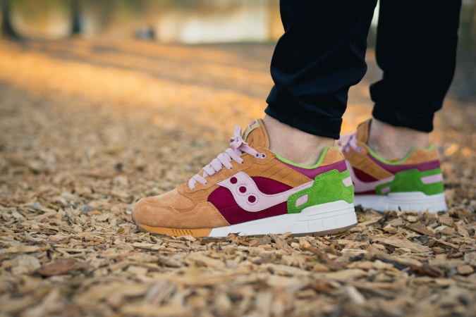 saucony end shadow 5000 burger