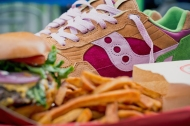 "Exclusive: Saucony x End Shadow 5000 ""Burger"""
