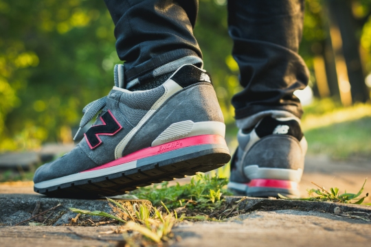 new balance 996 grey red 1