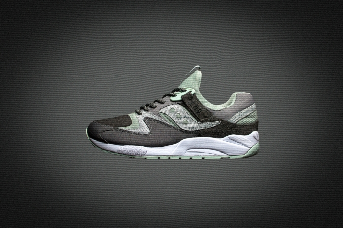 end saucony white noise